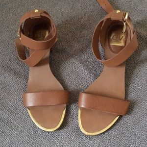 Cute strappy sandals for summer 💃🏻